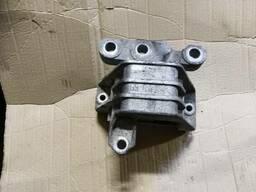 Подушка мотора крепление двигателя 3. 2 Opel Vectra C. ..