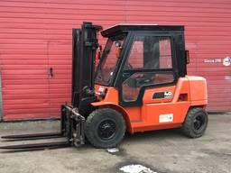 Погрузчик (навантажувач) вилочный 4 тонн Nissan 2005р
