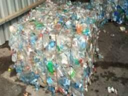 Покупаем отходы пэт бутылки. Купим пэт в прессованном виде.