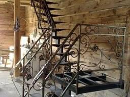 Порошковая покраска металлических лестниц. Окраска лестниц.