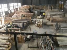 Послуги розпилювання вашої деревини.