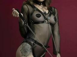Повідець Feral Feelings - Chain Leash металевий ланцюг зі шкіряною петлею і карабіном. ..