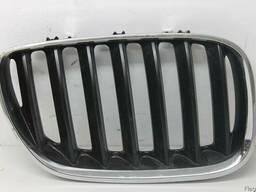 Правая часть решетки радиатора для BMW X5 E53 с разборки