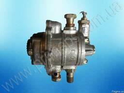 Предлагаем насос маслоподкачивающий к двигателям Д6, Д12.