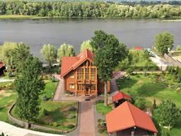 Продам загородный элитный комплекс на Днепре в Черкассах
