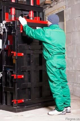 Пресс для вторсырья Силач на 18 тонн на 4 кВт.