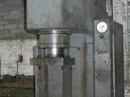 Пресс гидравлический одностоечный П6332, П6330