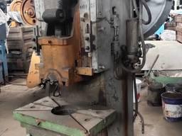 Пресс механический 828002М (аналог КД2128, 63 тс)