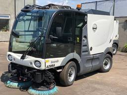 Прибиральна машина Azura MC200
