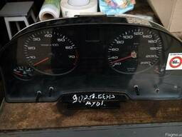 Приборная панель (щиток приборов ) Ауди 80 B3 с тахометром