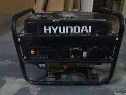 Продается б/у генератор гибридный Hyundai HHY 3000FG