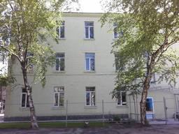 Продается ½ часть нежилого здания, ул. Ударников.