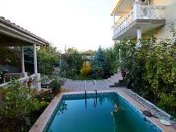 Продается жилой дом 340кв. м. с бассейном ул. Авдеева