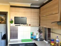 Продам 2-Х комнатную с автономным отоплением в ремонте.