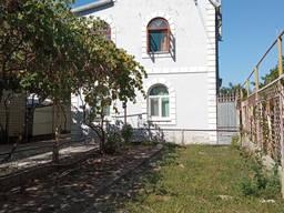 Продам 3-х дом возле центра г. Скадовска, приват. участок 5 соток. 100000 у. е.