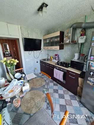 "Продам 3-х комнатную квартиру ""чешка"" ж/м Приднепровск"