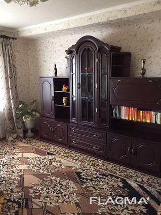 Продам 3-х комнатную квартиру в центре по Дворцовой, 29