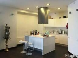 Продам 3-х комнатную квартиру в Киеве. Элитный ЖК.