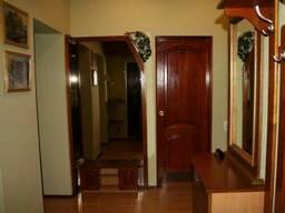 Продам 3 Комнатную Квартиру Сталинку, Голосеевский, Центр, метро Дворец Украина
