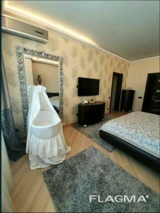 Продам 4-комнатную квартиру по ул. Маршала Тимошенко, 21 ( м. Минская, м. Оболонь)