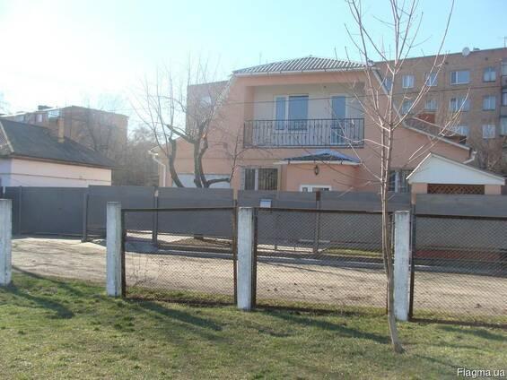Продам частный дом в центре города Смела