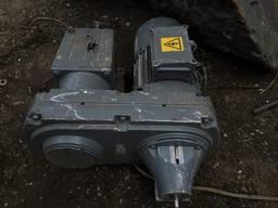 Продам цилиндрический мотор-редуктор Lenze GST06-2W