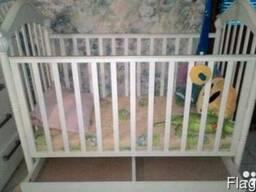 Продам детскую деревянную кроватку (Польша)