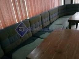 Продам диваны б/у синие кожзаменитель и ткань с углами высок