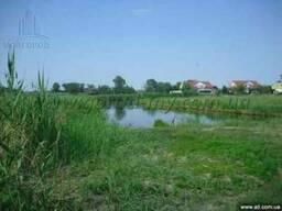 Продам дом 400 кв. м. в Новоселовке на берегу.
