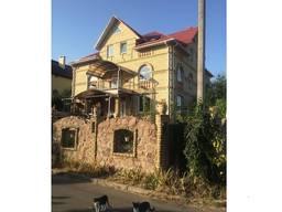 Продам дом 800 кв. м в Петровском