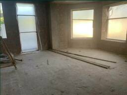 Продам дом на этапе строительства, на 6 сотках земли.