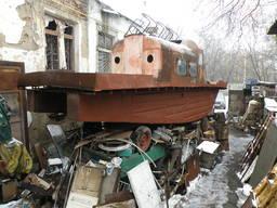 Продам катер под ремонт.