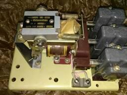 Продам контактор КМ2351-8М4