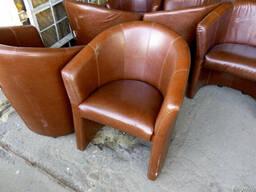 Продам недорого б/у стул кресла с подлокотниками для кафе