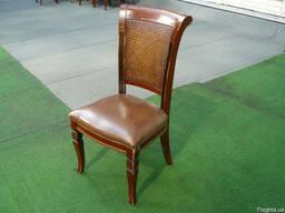Продам недорого Стулья с кожаным сиденьем б/у в ресторан