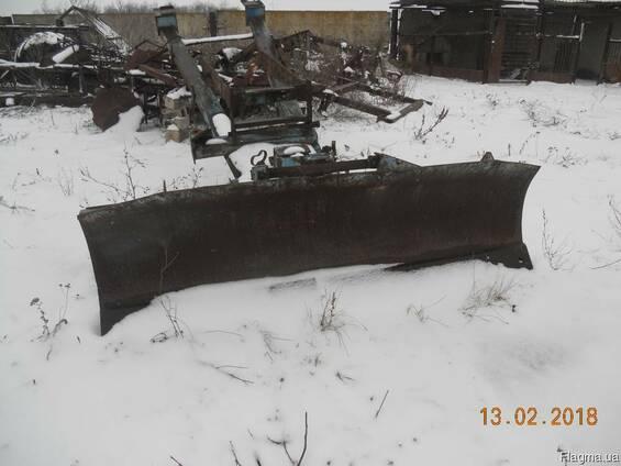 Продам отвал для уборки снега на трактор мтз