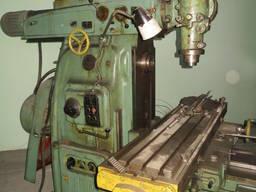 Продам широко-универсально-фрезерный станок 6М83Ш.