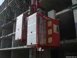 Продам строительный мачтовый подъемник 2 тонны - фото 1