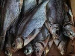 Продам речную вяленную и копченую рыбу в ассортименте (лещ,