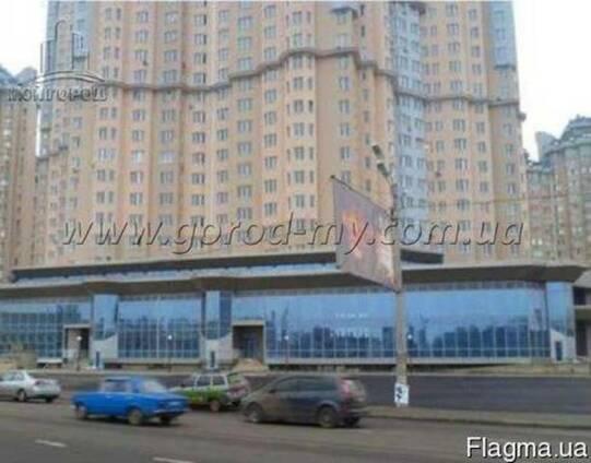 Продам торговое помещение 1500 кв. м. в центре Одессы