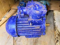 Продам трехфазный асинхронный электродвигатель АИМ 100