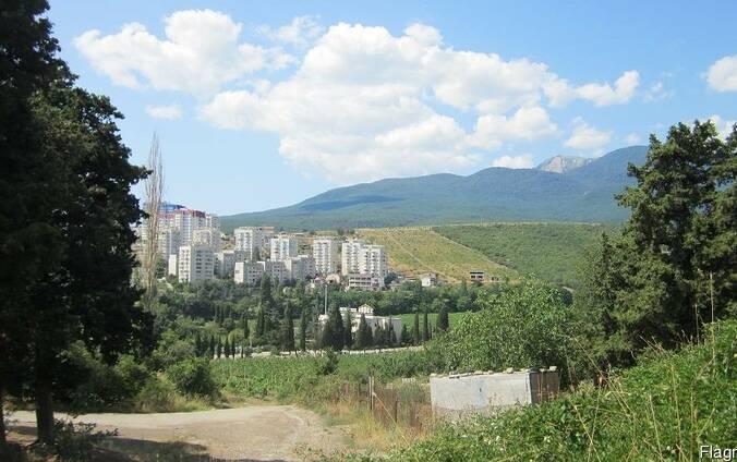 Продам участок под застройку 10 сот Алушта АР Крым