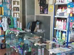Продам в пгт. Лазурное магазин, S=54м2, Цена 22000 у. е.