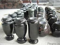 Продам вазы из гранита.