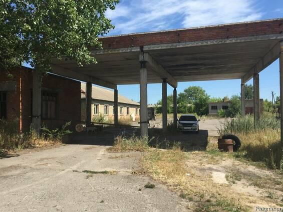 Продам виробничу базу з земельною ділянкою