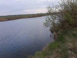 Земельна ділянка біля води
