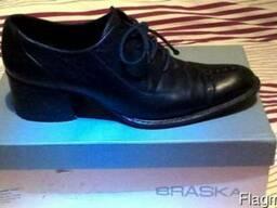Продам женские туфли 37 разм.