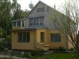 Продам жилой дом с участком 5 км от Полтавы возле речки, недорого.
