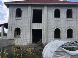 Продажа дома 400 кв. м с участком в Стоянке