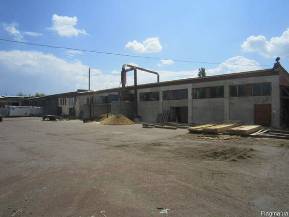 Производственный помещения 900м2.